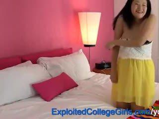 Těhotná asijské dospívající creampie