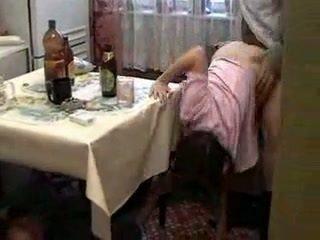 醉 guys fucks 醉 女学生 在 热 三人行
