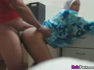 Arab vajzë fucked nga prapa