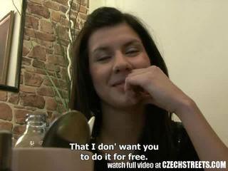 צ'כית streets - צעיר נוער נערה gets זה קשה ב מלון חדר וידאו