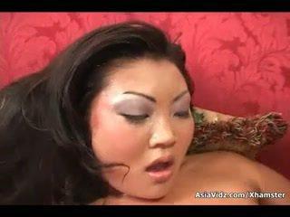 Špinavý asijské děvka sát a jízda anally a tuk černý čurák
