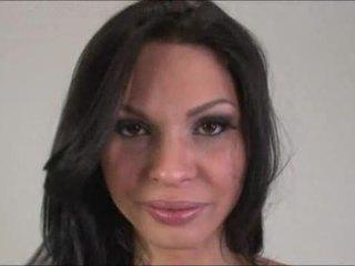 Tranny goddes Ana Paula Samandat jerks off