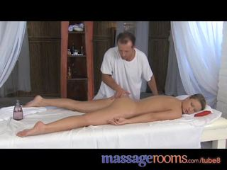 Massage Rooms Powerful gspot orgasm for her dripping pussy