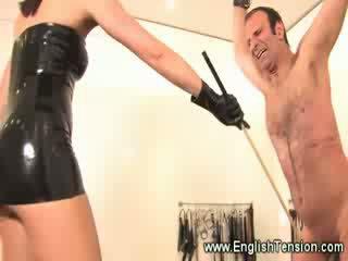 Suspended σκλάβος castigated με γυναίκα κυρίαρχος
