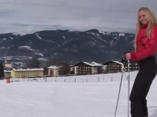 Eroberlin anna safina רוסי בלונדיני סקי אוסטריה פתוח ציבורי