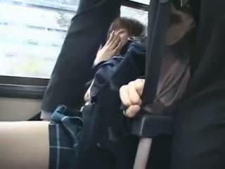 Shocked teengirl متلمس في حافلة