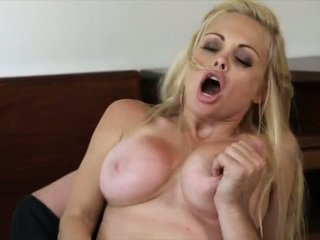 Well Stacked Blonde Bombshell Has Her Pussy Made Love