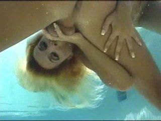 Podvodní pohlaví video