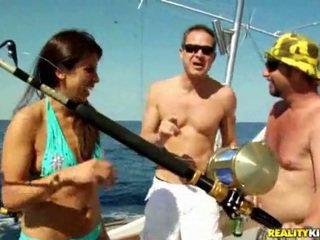 een brunette, een neuken, gratis boot