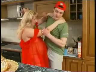 Gadis nakal mama di merah