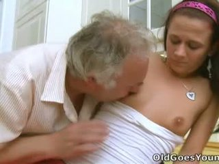 סקס נוער, צעיר, שנתי העשרה של