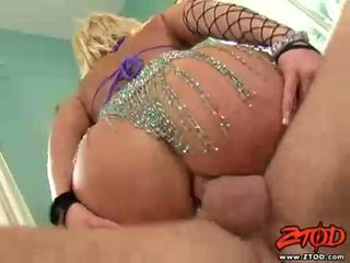 Breasty gaišmatis georgia peach gets asspounded un gets a netīrs spermas izšāviens