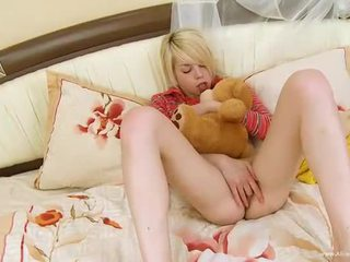new orgasm hottest, great clitoris, great shaved pussy you
