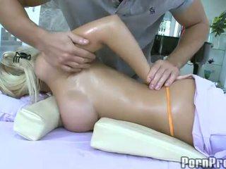 Smyslný masáž s drilling