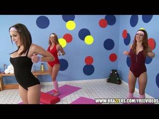 Aerobics instructor loves grande rabo
