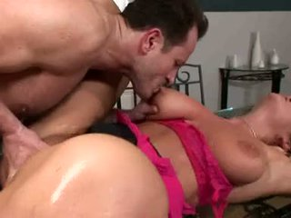 Breasty christina jolie acquires henne soaking våt twat rammed med stiff hardt kuk