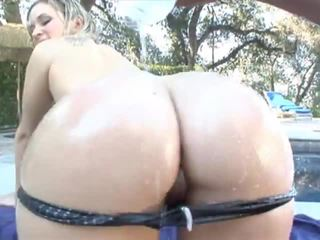 Briella bounce monster våt anal asses