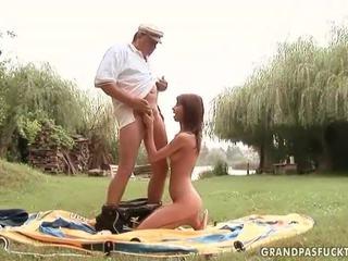 Grandpas och ung flickor kön