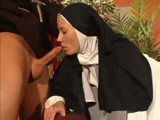 cinta, nun, priest