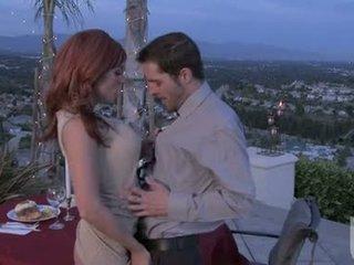 紅 headed 女朋友 jadra holly gives 她的 boyfriend an 奇妙 口服 stimulation