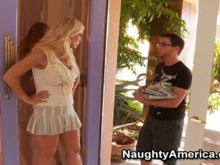 Flexible Amber Lynn Has Skewed Onto The Oustanding Dick