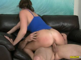 MILF knows all the tricks for a successful cumshot on her tits