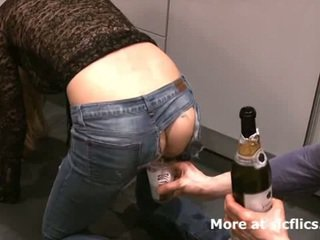 Fisting my girlfriends bilingüe gaping asshole