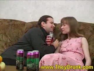 brünette, hardcore sex, betrunken, blowjob