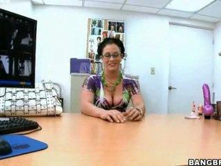 brunette thumbnail, schattig porno, beste wit porno