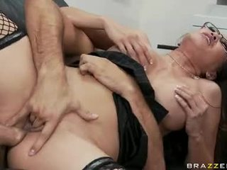 Doxy Miko Lee Opens This Chabr Gob For A Shawt Of Man Goo