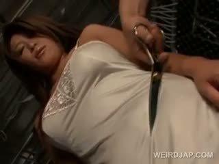 Vollbusig japanisch sex sklave im ropes gets unterwäsche schnitt ab