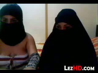 Amatur arab lesbian