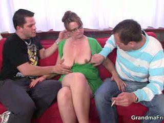 Two guys are jebanie príťažlivé mama