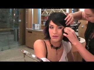 u makeup film, heet crossdresser, kijken gezicht neuken