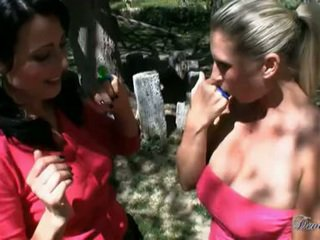 Devon Lee And Zoe Holloway Do A Hard Wang Blow Out