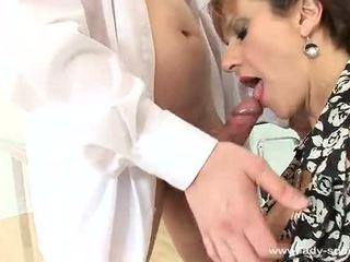 Phụ nữ sonia cums cứng và loud