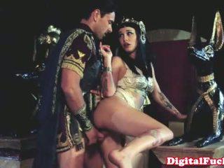 Cleopatra knull annan roman dude