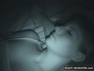 Szexi guminő fingered -ban alvás
