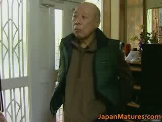 Jepang milf enjoys seksi seks