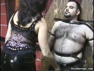 Slow flogging 该 女人