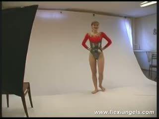 Muda penari balet alina