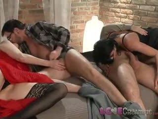 Cinta creampie two matang milf swingers saham husbands cocks dalam nakal pesta seks berkumpulan