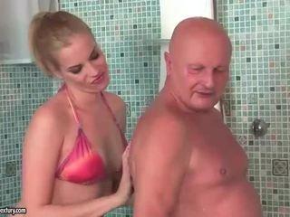Muito velho avô fucks bela jovem grávida