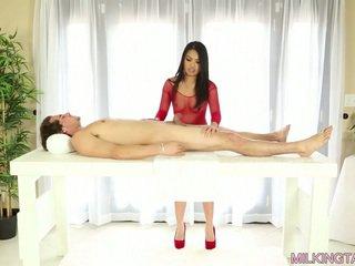 Cindy starfall milking të saj client's kar për disa spermë