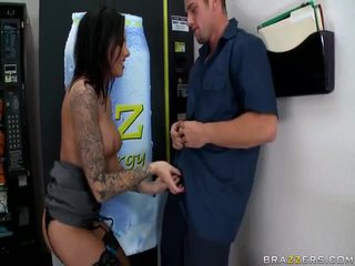 Big Tits And Thirsty Pussy Of Juelz Ventura