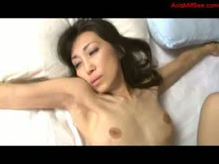 Skinny Mature Woman Getting Her Shaved Pussy Licked Giving Blowjob For Guy Fucked On The Bed In The Room