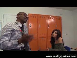 현실 junkies: 검정 선생 바보 drills 엄마 와 남편 시청