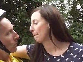Inglesa maduros loving bicicleta goes anal