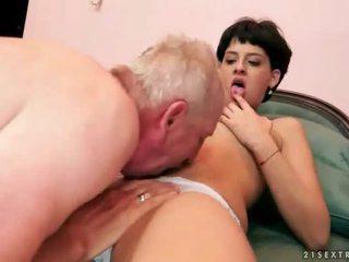 Jovem grávida a foder dela velho boyfriend
