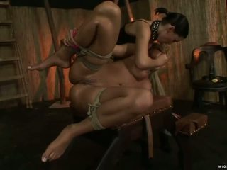 عشيقة mya diamond punishing حار شقراء